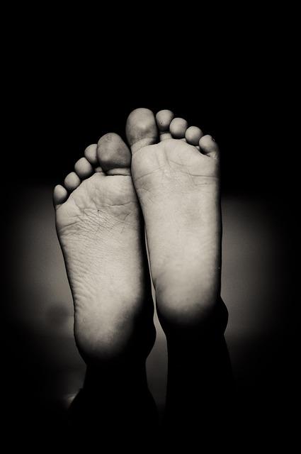 水虫対策 市販薬でよく効くのはこれ! 足の指から足の裏全体にかけて。
