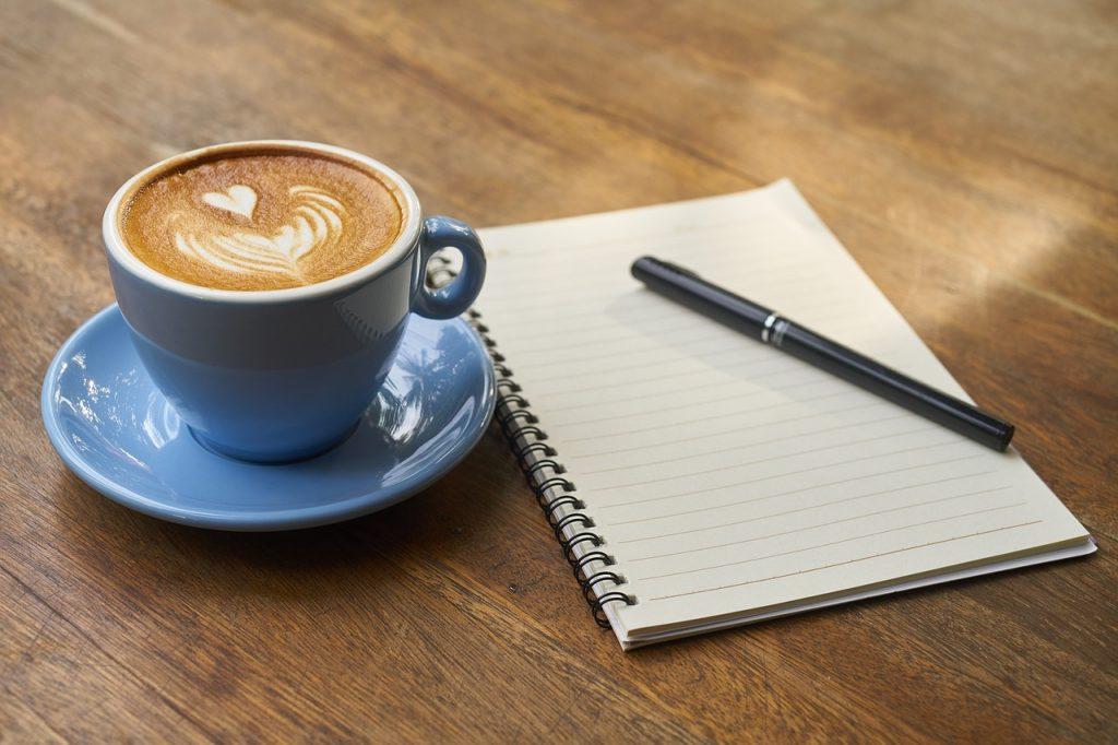 朝活で効率よく勉強!カフェから始まるデキる女の一日!