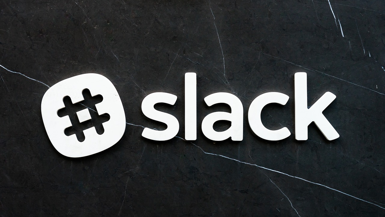 slack日本語版が利用開始!使い方はどうなの?アプリでスマホでも可能なのか?