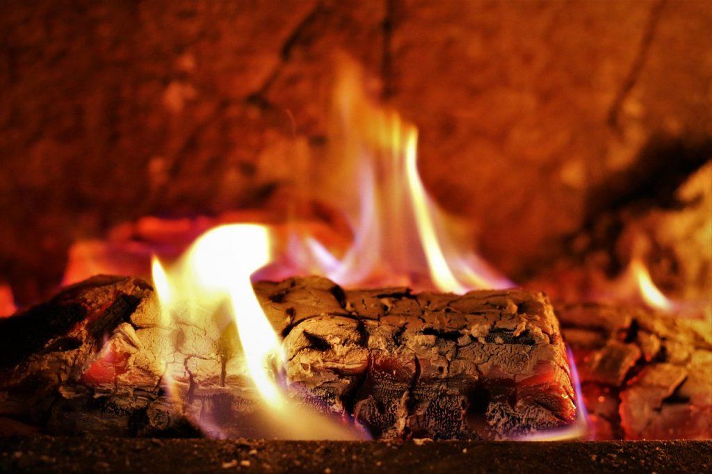 暖房で部屋を早く暖めるコツとは?