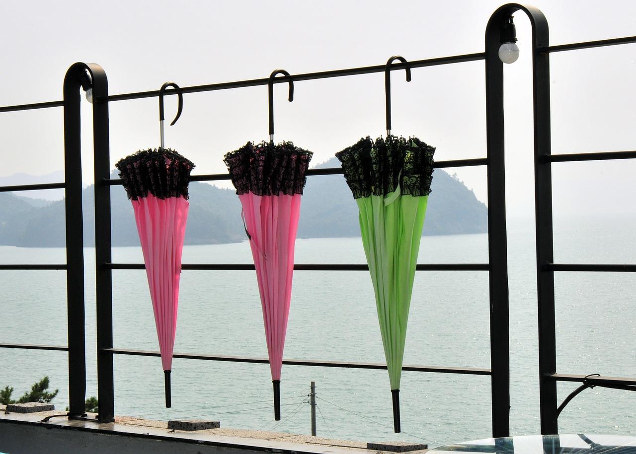 日傘を雨の日に使うのは、大丈夫?日傘を雨傘に代用出来るのか?