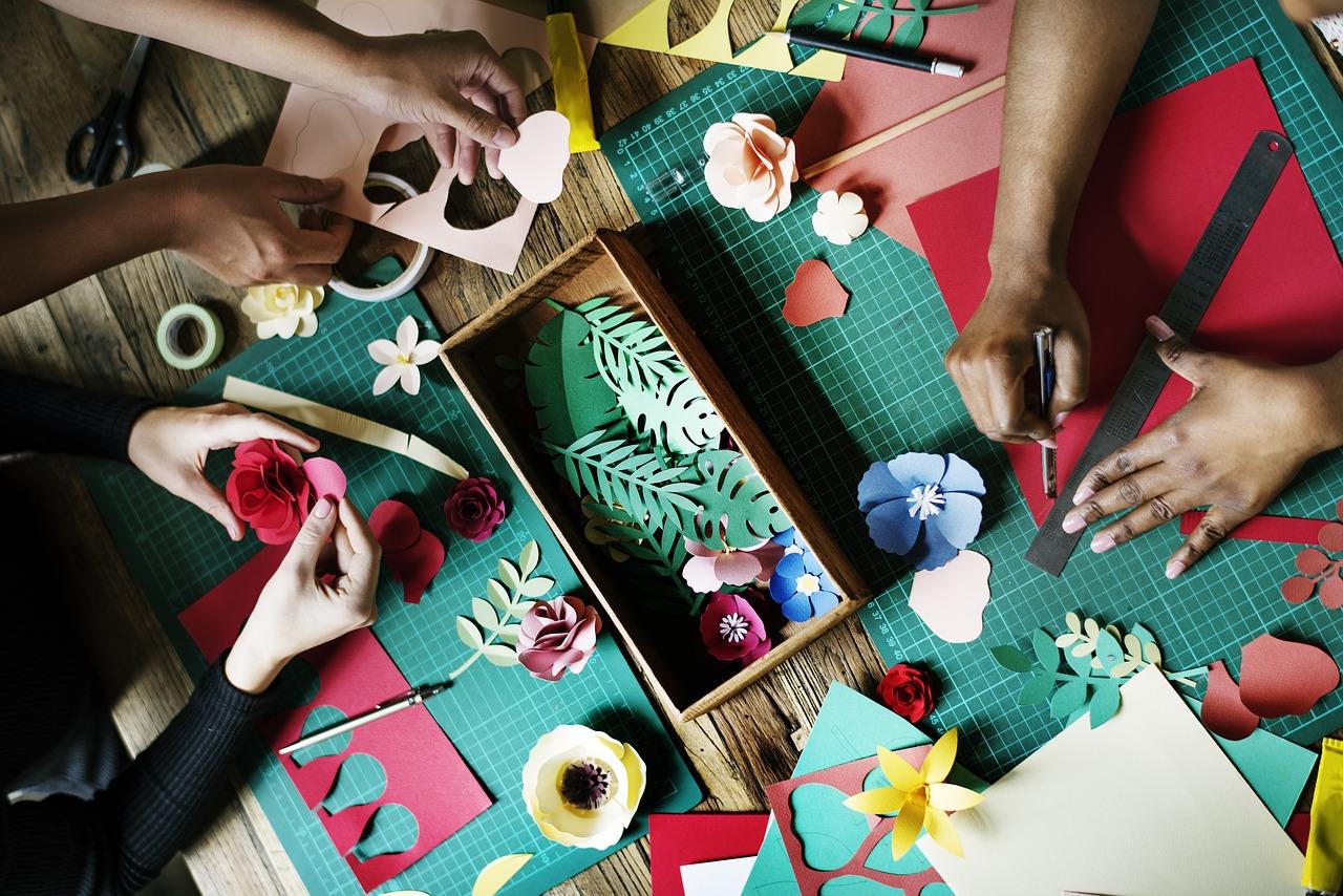 ペーパークラフトで花を作ろう!意外と簡単に出来てしまうことにびっくり!動画での紹介も♪