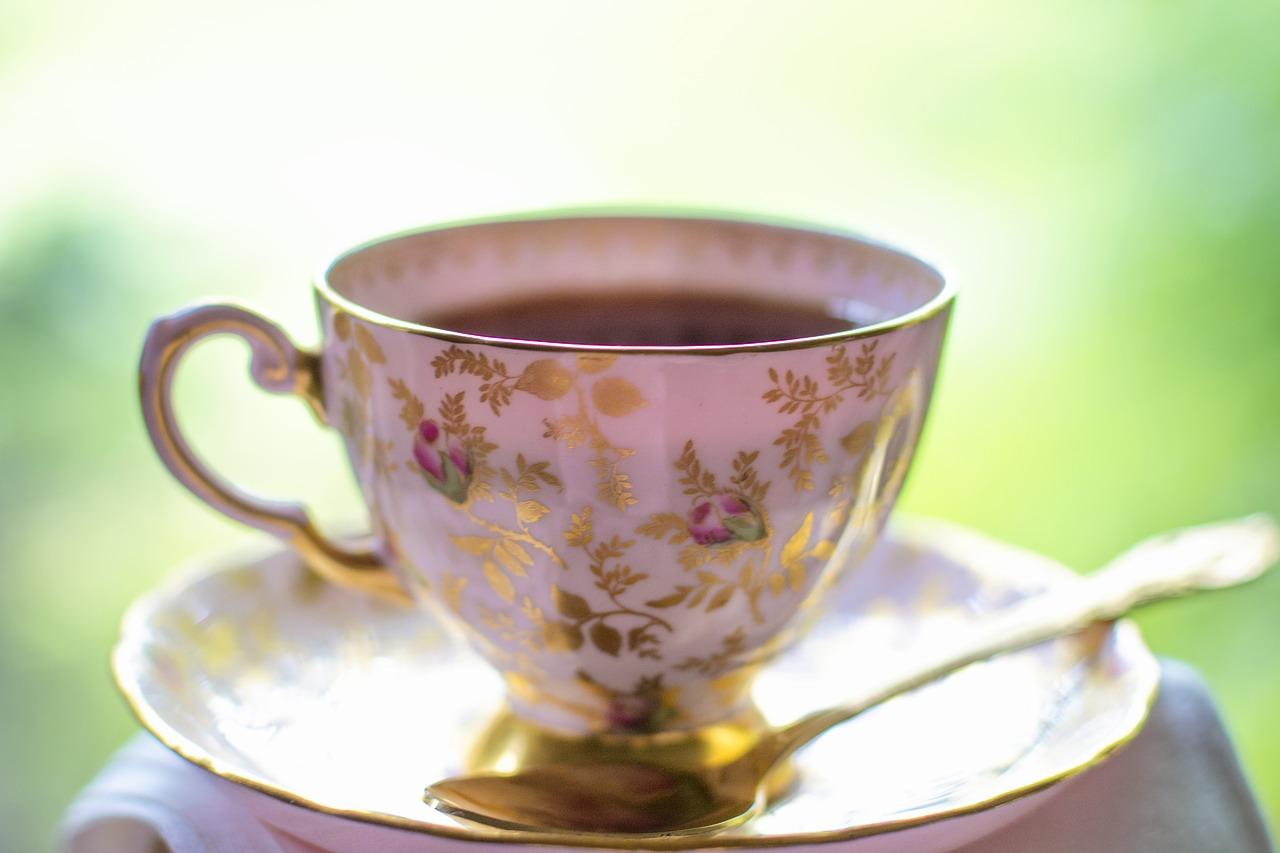 水出しで作った紅茶は危険? カフェインの量はどう変わる?