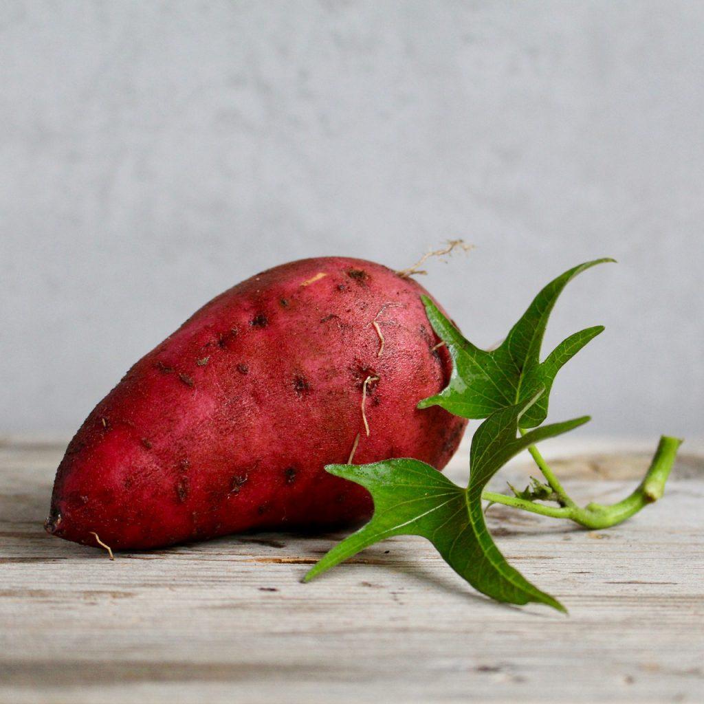 さつまいもの中身がピンク色や赤色になっていても食べられるの?