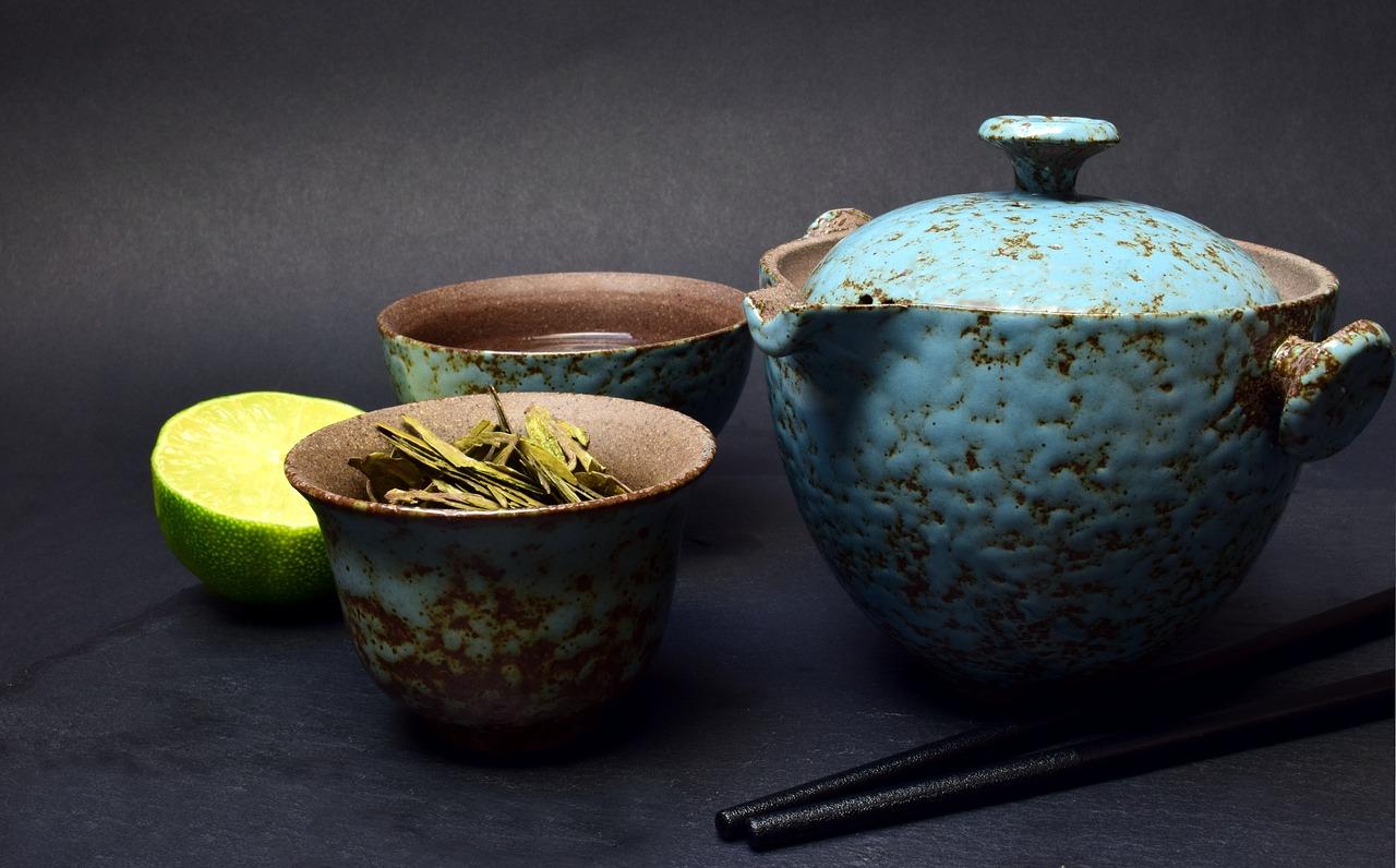 ポットに入れた緑茶が変色!飲んでも大丈夫?