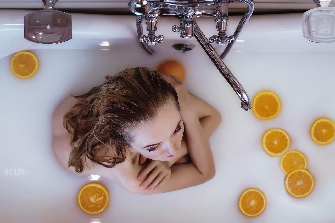 水素水のお風呂は美肌に効果あり?洗顔や髪の毛への影響とは?
